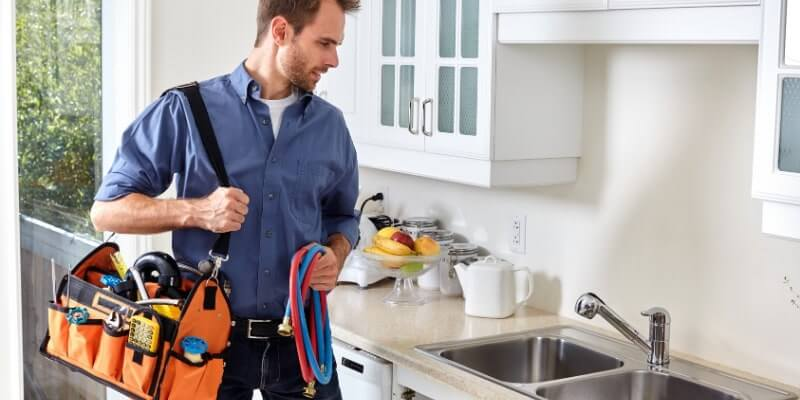 Best Tool Bags for Plumbers Featured Image
