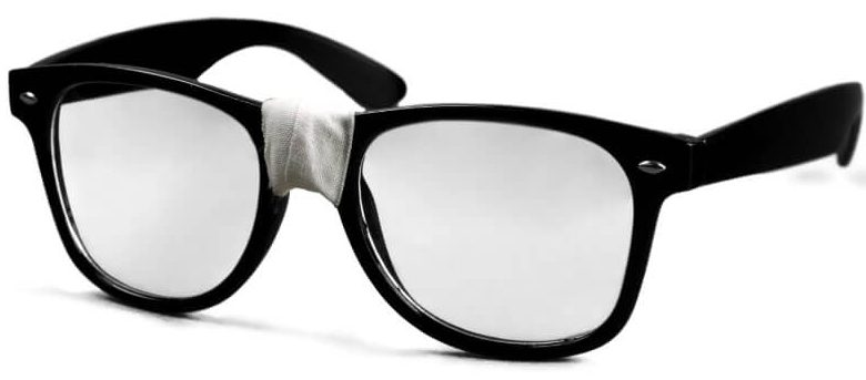 Prescription glasses to carry in medical school